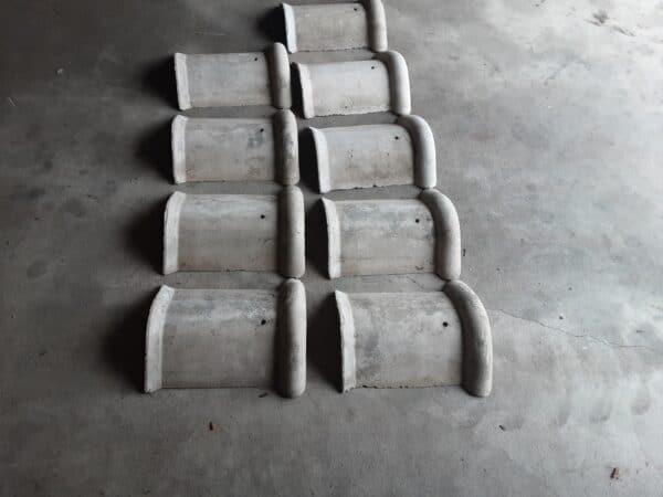 Vanhoja harmaita harjatiiliä 35*30/25 cm