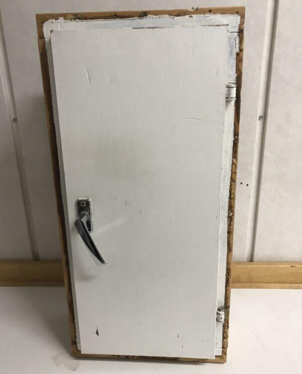 Pieni tuuletusikkuna 59x29 cm