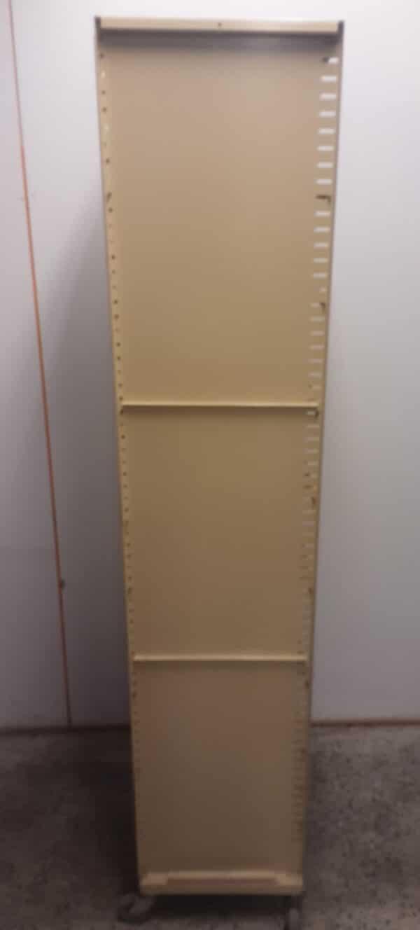 Metallihyllykkö 190x38x38 cm pyörillä