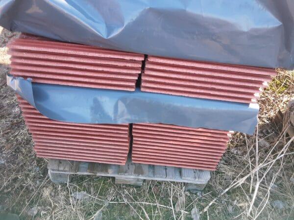 Ormax kattotiili punainen 42*33, profiili 5,5 cm