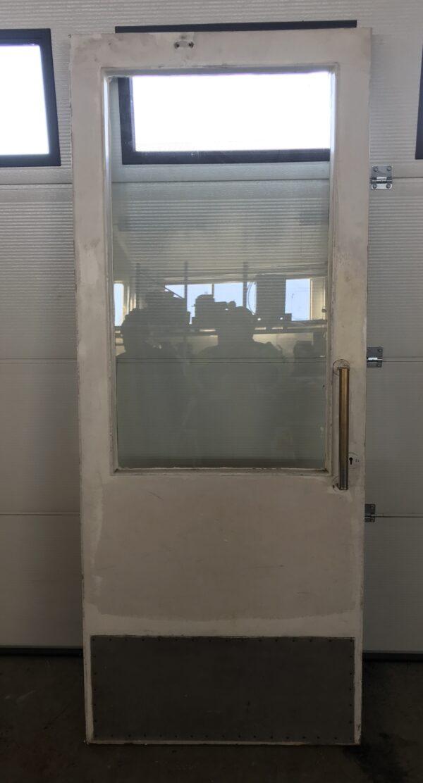 Vasenkätinen puu-ovi lasilla 209*85 cm