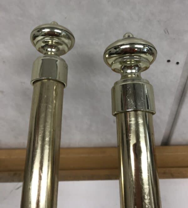 Paksu messinkinen verhotanko renkailla ja nipsuilla 220 cm ja 205 cm