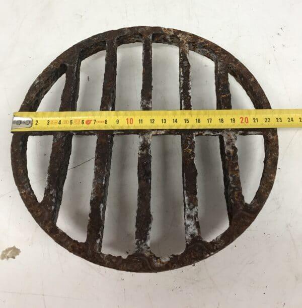valurautainen pyöreä 23 cm arina
