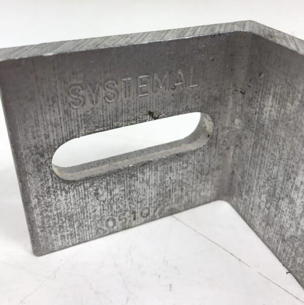 Sähköhyllyn alumiinikannake Systemal 0510/F