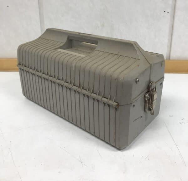 Muovinen työkalulaatikko Made in USSR