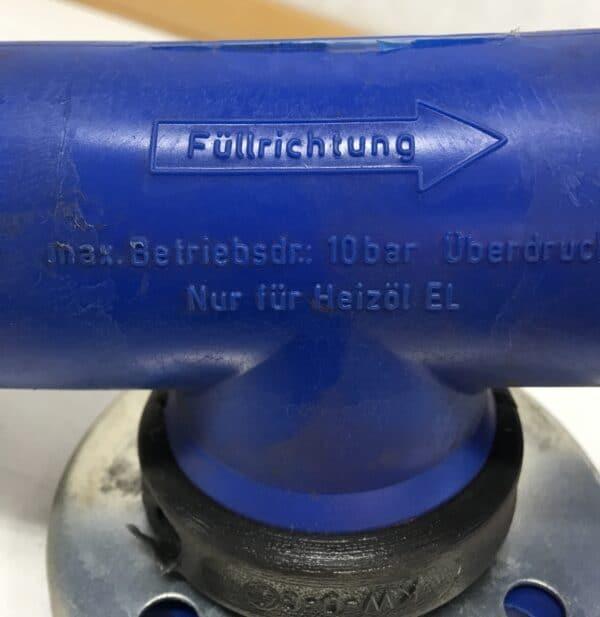 Muovinen putkiston T-yhde 120 mm laipoilla