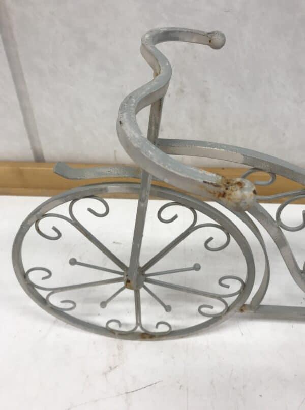 3-pyörä puutarhakoriste