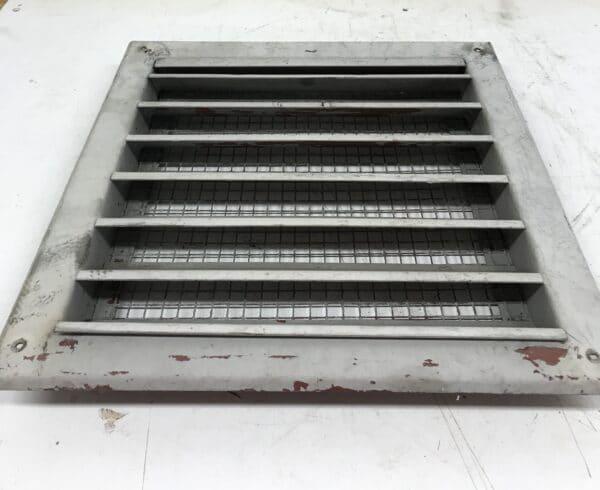 Vanha iso ilmastointiritilä 35 * 35 cm