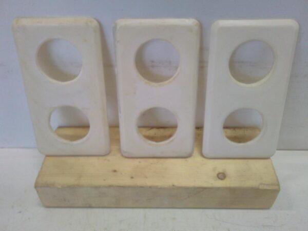 Vanha 2-os sähköpeitelevy valkoinen pyöreät aukot 155*85mm