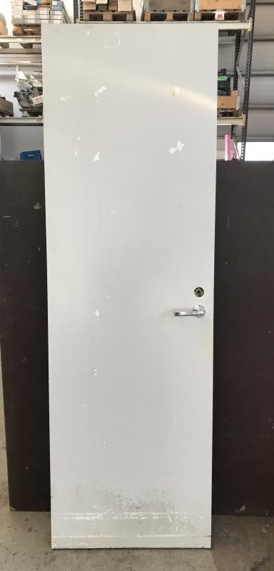 Vanha kapea huullettu ovi 62,5*202,5 cm